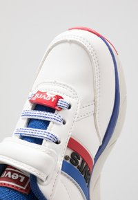 Levi's® - NEW OREGON - Sneakers - white - 2