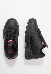 Levi's® - SOHO - Nazouvací boty - black - 1