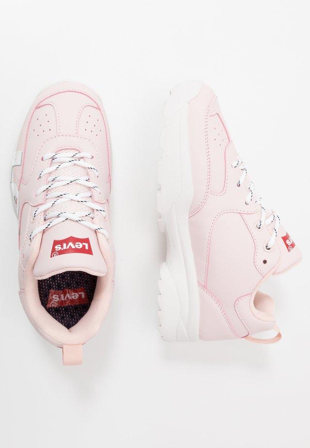 TRIBECA - Sneakers laag - pink
