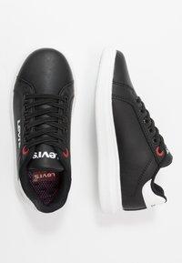 Levi's® - ELLIS - Nazouvací boty - black - 0