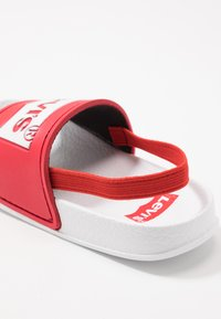Levi's® - POOL - Sandales - red/white - 2