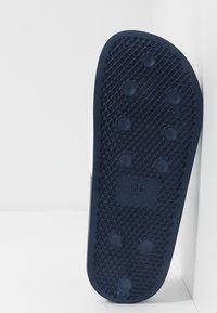 Levi's® - POOL - Slip-ins - white/navy - 5