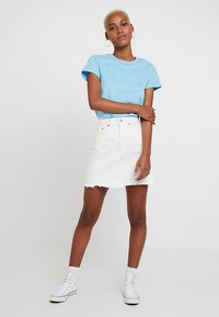 Levi's® - DECON ICONIC SKIRT - Jupe trapèze - pearly white - 1