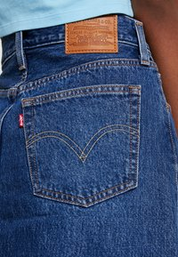 Levi's® - DECON ICONIC SKIRT - Falda acampanada - dark-blue denim - 5