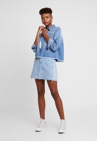 Levi's® - DECON ICONIC SKIRT NEEDLECRAFT - A-line skirt - med indigo - 1