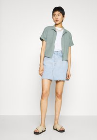 Levi's® - DECON ICONIC SKIRT - Denim skirt - light up my life - 1