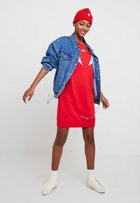 Levi's® - FLORENCE CREW DRESS - Kjole - baby tab dress brilliant red - 1