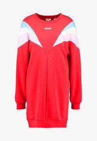 Levi's® - FLORENCE CREW DRESS - Kjole - baby tab dress brilliant red - 4