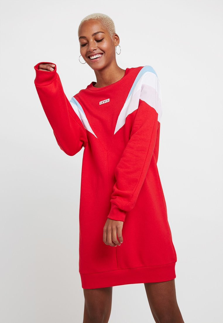 Levi's® - FLORENCE CREW DRESS - Freizeitkleid - baby tab dress brilliant red