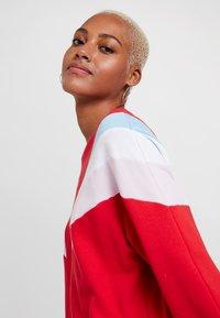 Levi's® - FLORENCE CREW DRESS - Kjole - baby tab dress brilliant red - 5