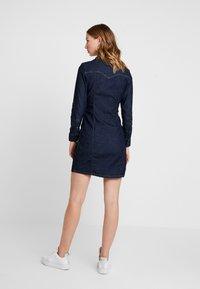 Levi's® - GIA WESTERN DRESS - Vestido vaquero - take it eazy - 2