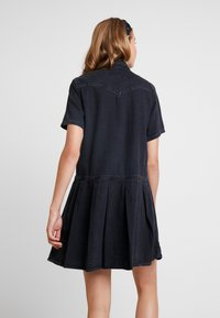 Levi's® - MIRAI WESTERN DRESS - Vestido vaquero - black sheep - 3
