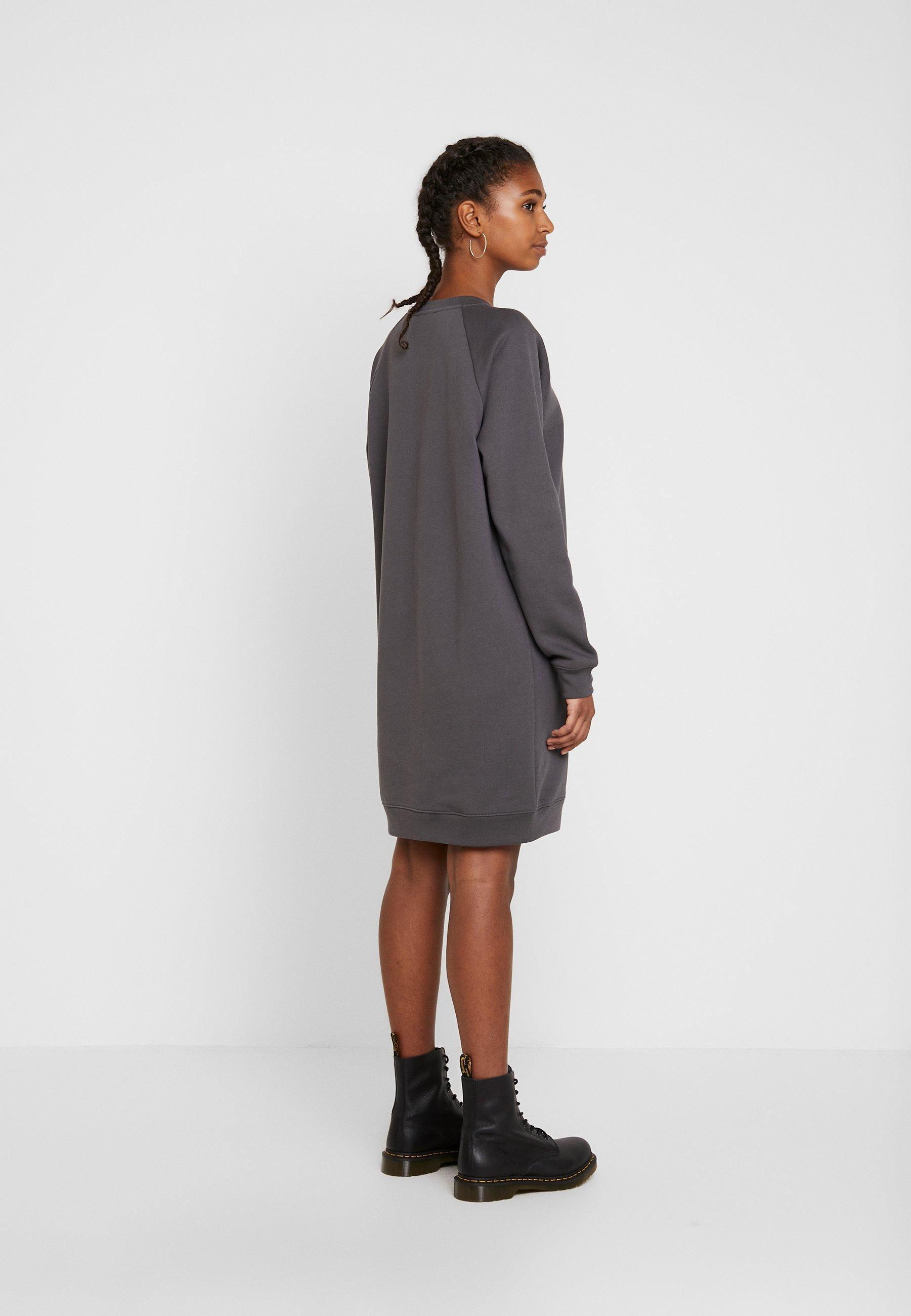 Levi's® Crew Dress - Kjole Forged Iron