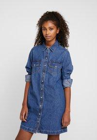 Levi's® - SELMA DRESS - Robe en jean - going steady - 0