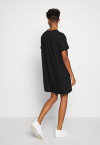 Levi's® - LOGO TEE DRESS - Trikoomekko - mineral black - 2