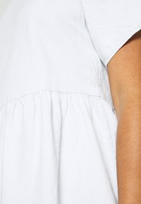 Levi's® - POPPY DRESS - Kjole - faint hearted - 5