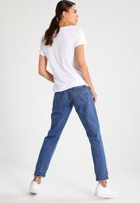 Levi's® - THE PERFECT - T-Shirt print - white - 2