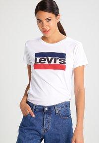Levi's® - THE PERFECT - T-Shirt print - white - 0