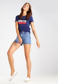 Levi's® - THE PERFECT - T-shirt imprimé - blue - 1