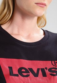 Levi's® - THE PERFECT - T-shirt print - black - 3