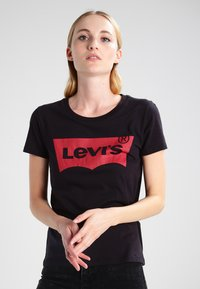 Levi's® - THE PERFECT - T-shirt z nadrukiem - black - 0