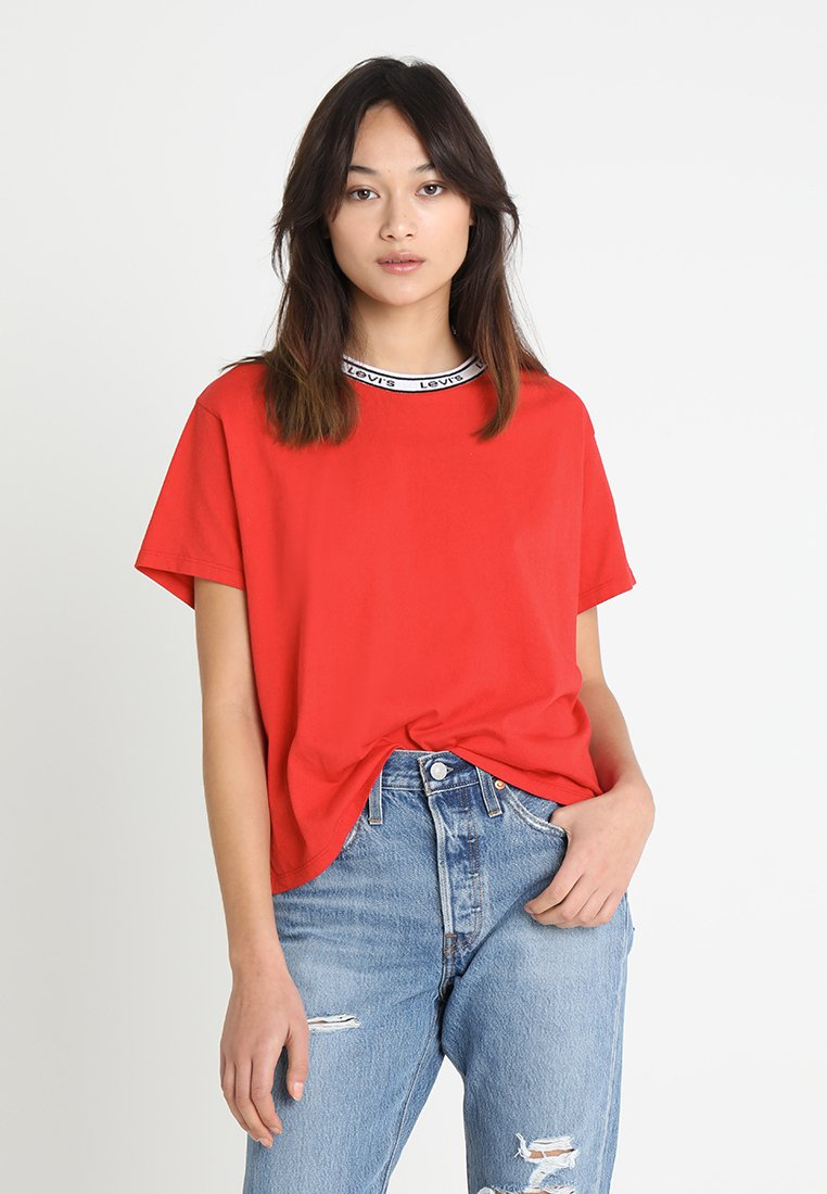 Levi's® - VARSITY TEE - Camiseta estampada - lychee red