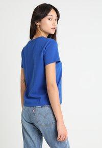 Levi's® - 501 GRAPHIC SURF TEE - Camiseta estampada - surf blue - 2