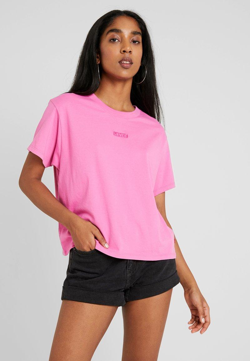Levi's® - GRAPHIC VARSITY TEE - T-Shirt basic - tonal baby tab phlox pink