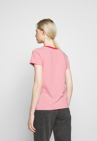 Levi's® - PERFECT V NECK - T-shirt con stampa - annalise tomato - 2