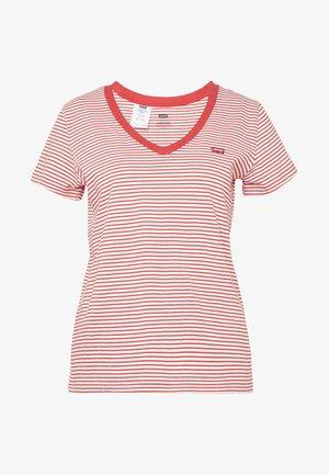 PERFECT V NECK - T-shirt z nadrukiem - annalise tomato