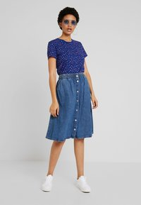 Levi's® - THE PERFECT CREW - Triko s potiskem - sodalite blue