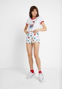 Levi's® - LEVI'S® X HELLO-KITTY  PERFECT RINGER TEE - T-shirts print - perfect white - 1