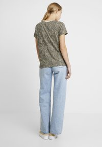 Levi's® - PERFECT TEE - T-shirt imprimé - chest hit - 2