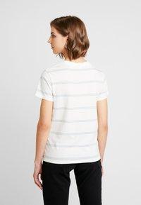 Levi's® - PERFECT TEE - T-shirts med print - alyssa cloud dancer - 2
