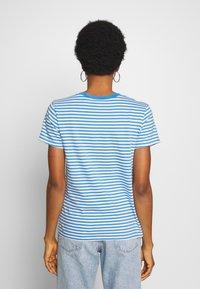 Levi's® - PERFECT TEE - T-shirts med print - raita marina - 2