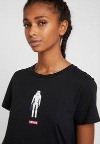 Levi's® - STAR WARS THE PERFECT TEE - Camiseta estampada - stormtrooper black - 3