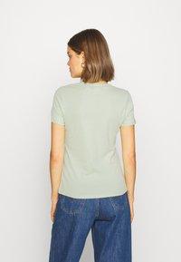 Levi's® - BABY TEE - T-shirt basic - bok choy - 2