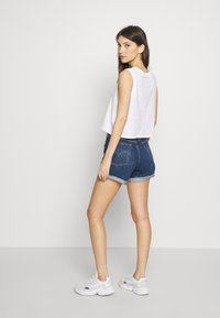Levi's® - GRAPHIC CROP TANK - Topper -  serif tank white - 2