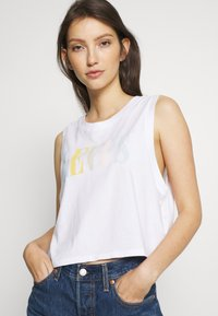 Levi's® - GRAPHIC CROP TANK - Topper -  serif tank white - 3