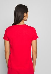 Levi's® - THE PERFECT TEE - T-shirt imprimé - tomato - 2