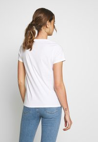 Levi's® - THE PERFECT TEE - Print T-shirt - box tab white+ - 2
