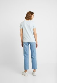 Levi's® - THE PERFECT TEE - T-shirt z nadrukiem - baby blue - 2