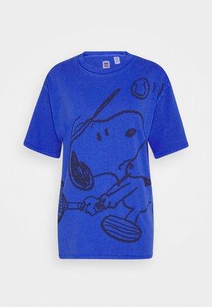 LEVI'S X PEANUTS GRAPHIC - T-shirt z nadrukiem - surf blue
