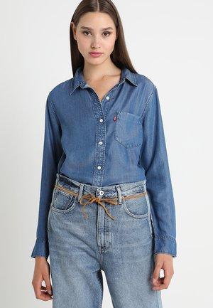 ULTIMATE BOYFRIEND - Skjorte - medium authentic