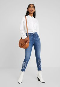 Levi's® - THE ULTIMATE - Camisa - bright white - 1