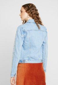 Levi's® - ORIGINAL TRUCKERNEEDLECRAFT TRUCKER - Giacca di jeans - blue - 2
