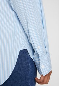 Levi's® - THE DAD SHIRT POCKET - Camicia - adelia stripe powder blue - 4