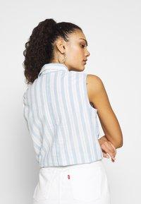 Levi's® - ALINA TIE SHIRT - Skjorte - light blue/white - 2