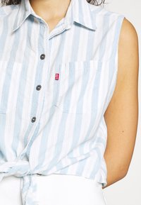 Levi's® - ALINA TIE SHIRT - Skjorte - light blue/white - 4