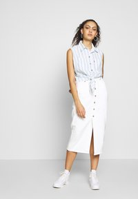 Levi's® - ALINA TIE SHIRT - Skjorte - light blue/white - 1